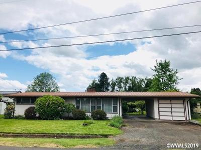 Salem Single Family Home For Sale: 4398 Country Ln