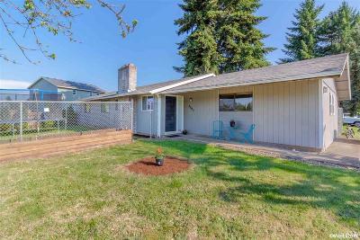 Dallas Single Family Home Active Under Contract: 2002 SE Joseph Ln