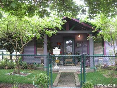 Salem Single Family Home For Sale: 954 Norway St