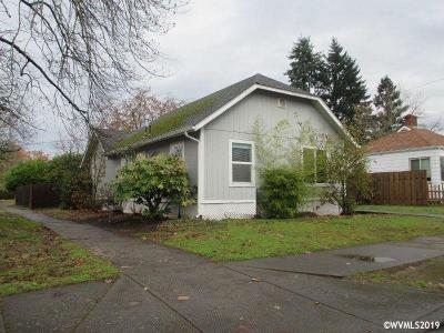 Salem Single Family Home For Sale: 1105 Rural Av