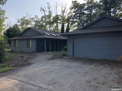 Keizer Single Family Home Active Under Contract: 2525 Niagara St