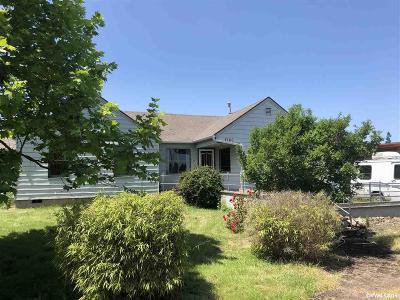 Dallas Single Family Home Active Under Contract: 2160 W Ellendale Av