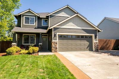 Stayton Single Family Home For Sale: 867 Sunrise Dr