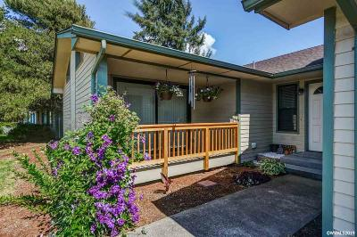Keizer Single Family Home For Sale: 798 Delta Dr
