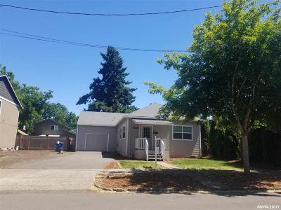 Salem Single Family Home For Sale: 558 19th St