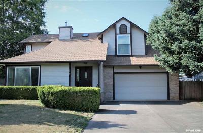 Dallas Single Family Home Active Under Contract: 485 SE Davis St