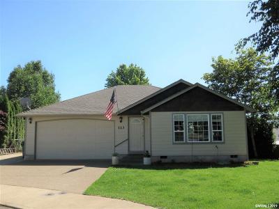 Dallas Single Family Home For Sale: 113 NE Holiday Av
