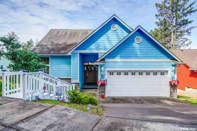 Lincoln City Single Family Home For Sale: 1803 SE Oar Dr