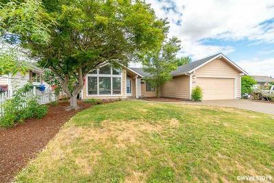 Keizer Single Family Home For Sale: 299 Dorcas Dr