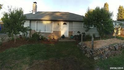 Keizer Single Family Home For Sale: 4954 Elizabeth St