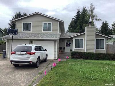 Keizer Single Family Home For Sale: 1385 Juniper St
