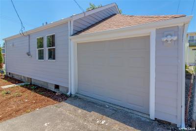 Salem Single Family Home For Sale: 745 Jefferson St