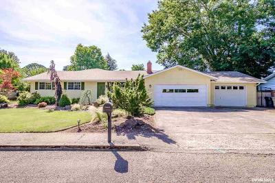 Dallas Single Family Home For Sale: 931 SW Marian Ct