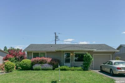 Woodburn Single Family Home Active Under Contract: 2110 Country Club Rd