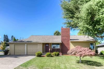 Salem Single Family Home For Sale: 2495 Saginaw St