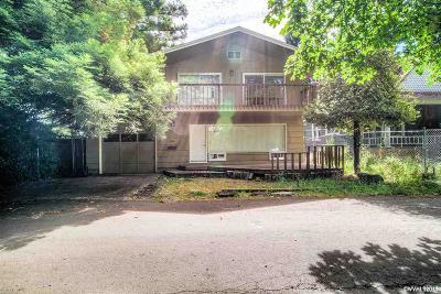 Salem Single Family Home For Sale: 1960 Water St NE