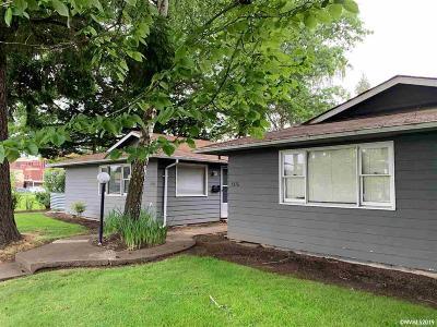 Salem Multi Family Home For Sale: 1976 Broadway (- 1982) St