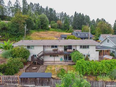 Sweet Home Single Family Home For Sale: 901 1st Av