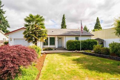 Keizer Single Family Home For Sale: 439 Churchdale Av