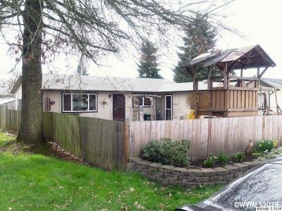 Aumsville Single Family Home For Sale: 380 Donna Ct