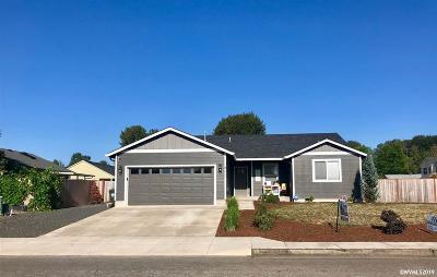 Sweet Home Single Family Home For Sale: 865 29th Av