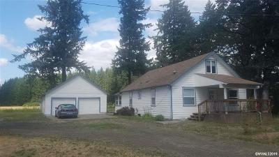 Lebanon Single Family Home For Sale: 31131 Old Santiam Hwy