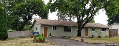 Keizer Single Family Home Active Under Contract: 1425 Leo St