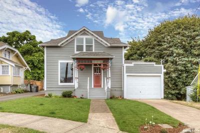 Dallas Single Family Home For Sale: 551 SW Levens St
