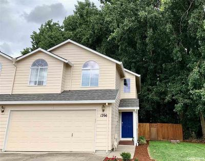 Woodburn Single Family Home For Sale: 1266 Elana Dr