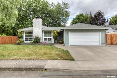 Salem Single Family Home For Sale: 839 Chickadee Ct