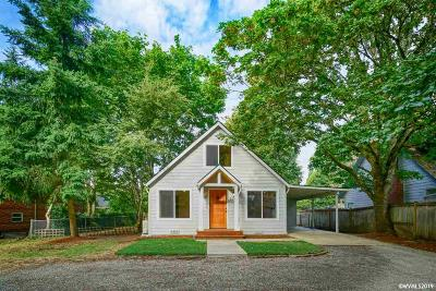 Salem Single Family Home For Sale: 1045 Glenview Wy