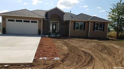 Salem Single Family Home For Sale: 8784 Portland