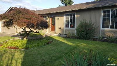 Keizer Single Family Home Active Under Contract: 876 Nightingale Ct