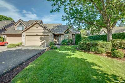 Keizer Single Family Home For Sale: 6110 Lakeshore Ct