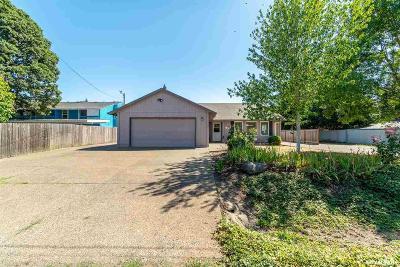 Albany Single Family Home For Sale: 3140 Oakwood Av
