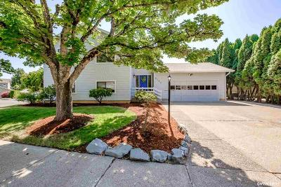 Albany Single Family Home For Sale: 6153 Nelson Pl