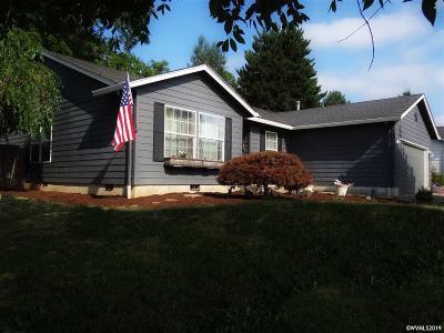 Dallas Single Family Home For Sale: 571 SE Mifflin St