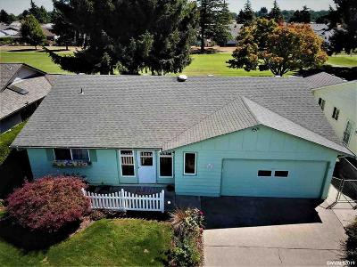Woodburn Single Family Home For Sale: 428 S Columbia Dr