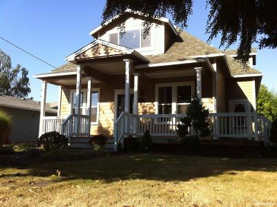 Mt Angel Single Family Home For Sale: 190 N Cleveland St