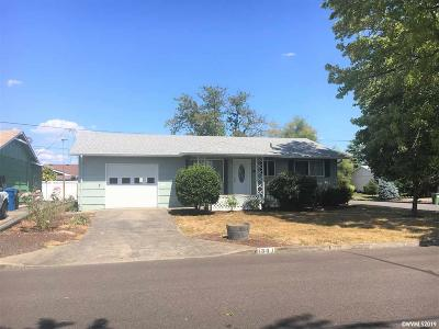 Woodburn Single Family Home For Sale: 1301 Hampton Wy