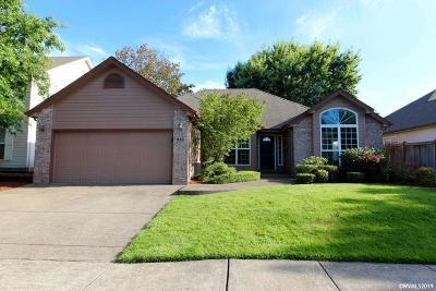Keizer Single Family Home Active Under Contract: 882 Merlot Av