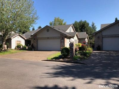 Keizer Single Family Home For Sale: 582 Fountain Ct