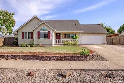 Albany Single Family Home For Sale: 3377 Siuslaw Av