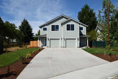 Dallas Multi Family Home For Sale: 246 SE Dimick (& 248) St