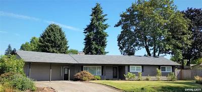 Keizer Single Family Home For Sale: 4936 Shoreline Lp