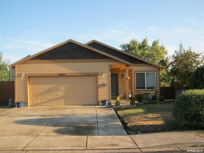 Aumsville Single Family Home For Sale: 9844 Antelope St
