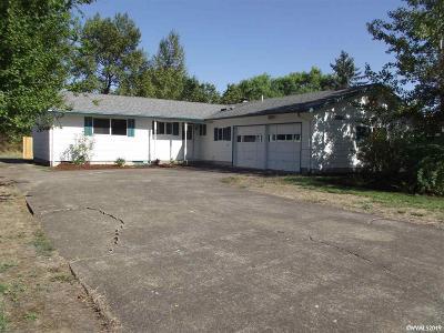 Corvallis Single Family Home For Sale: 2915 NE Lancaster St