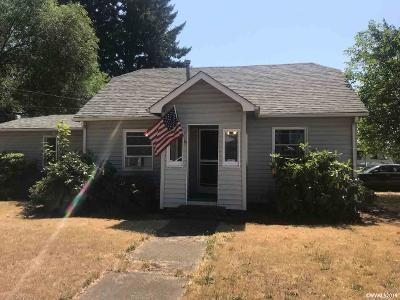 Dallas Single Family Home Active Under Contract: 120 SE Fir Villa Rd