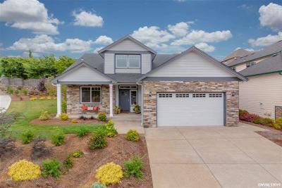 Salem Single Family Home For Sale: 1398 West Meadows Dr