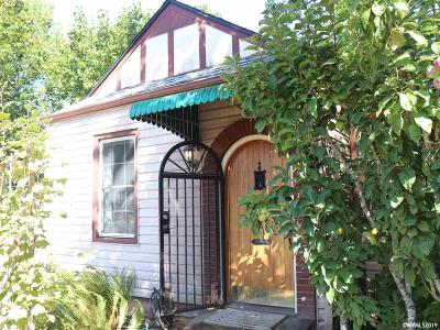 Salem Single Family Home For Sale: 1060 14 St